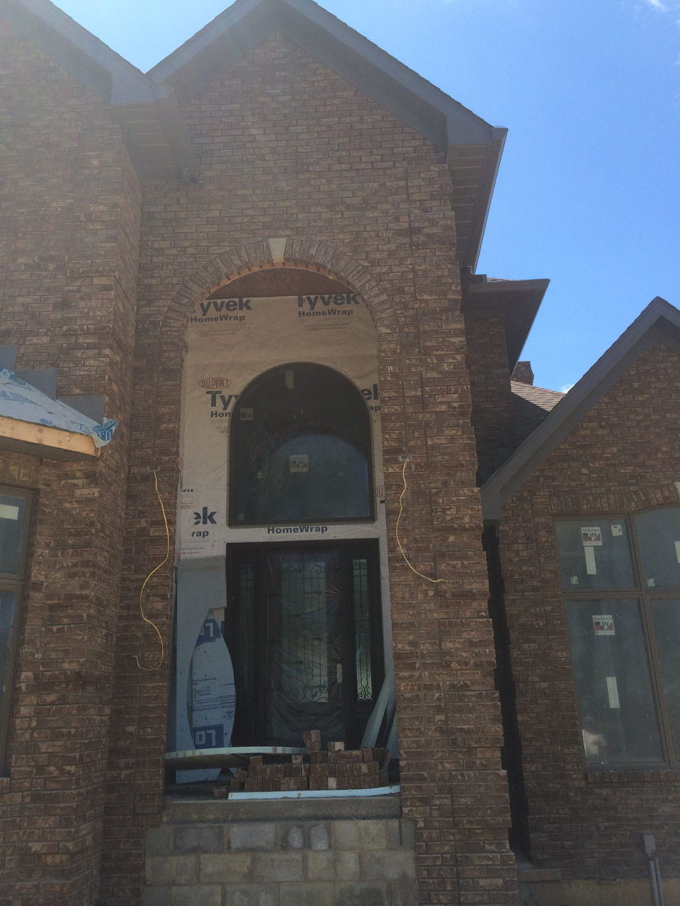 Full brick house tuscarawas construction ltd for Brick house construction