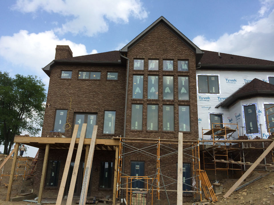 Full brick house tuscarawas construction ltd for Brick home construction